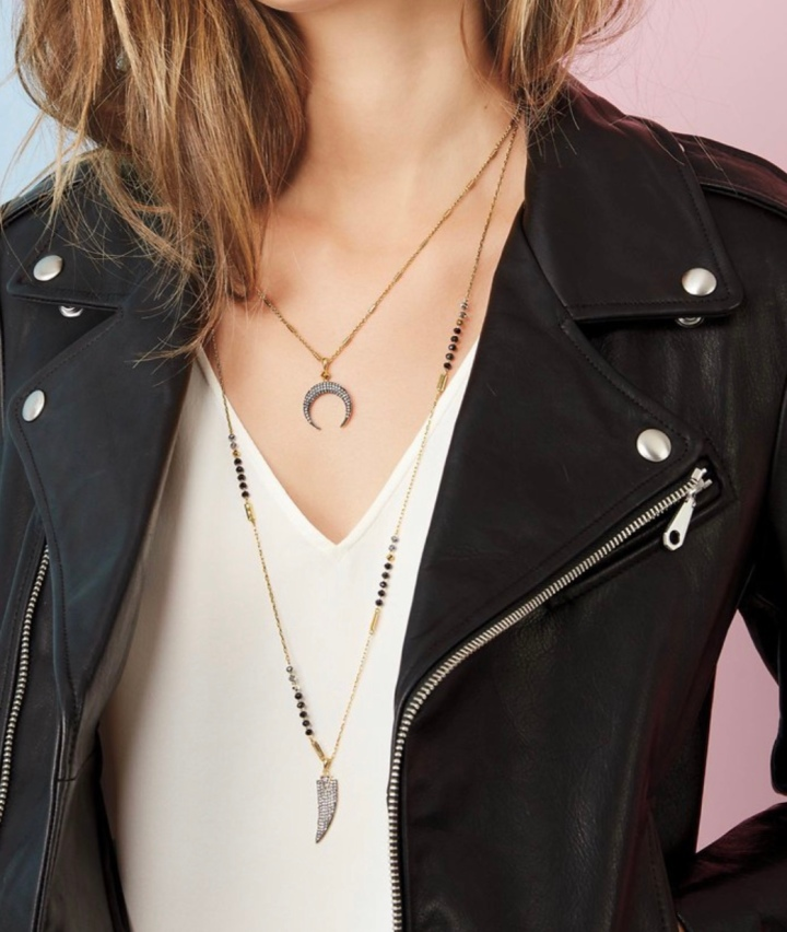 5 reasons why I love the Diedre Double Horn Pendant from Lisa Hansen at Stella &Dot